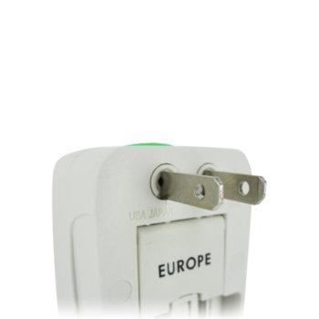 Universeller Volt-Adapter