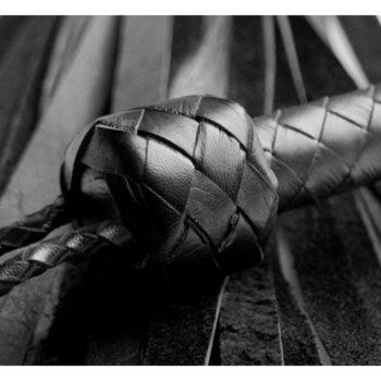 Weiche Folterpeitsche aus Leder